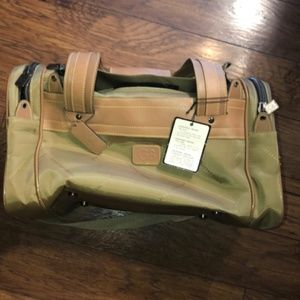 NWT Geoffrey Beene carry on suitcase bag 17x11